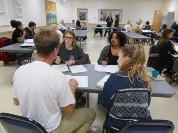 LSJ students learning alongside inmates in the innovative mixed enrollment course at the Washington State Reformatory. Photo credit: UW Today